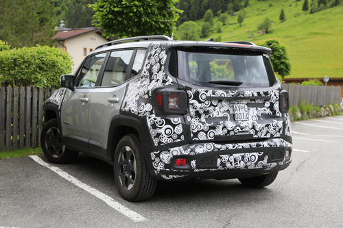 Jeep Renegade restyling, le foto spia (8)