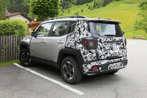 Jeep Renegade restyling, le foto spia (9)
