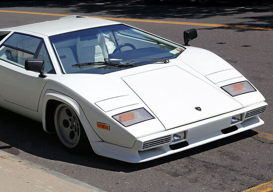 Lamborghini Countach LP400S, l'icona compie 40 anni