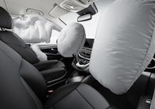 Airbag Takata difettosi: Daimler richiama 840.000 auto
