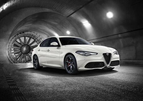 Alfa Romeo Giulia Sport Edition: ecco quanto costa (2)