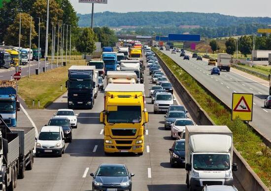 Bollo auto europeo dal 2026. Come funzionerà la nuova tassa UE
