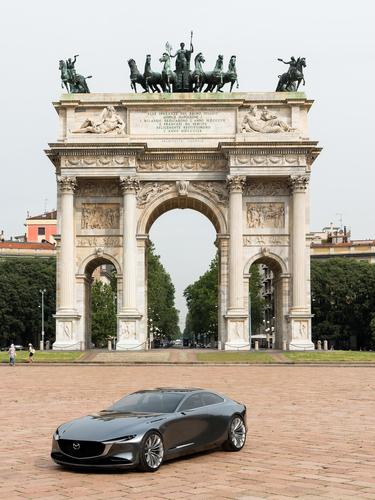 Mazda Vision Coupé a Milano, con il nuovo stile artistico della Casa giapponese [video] (8)