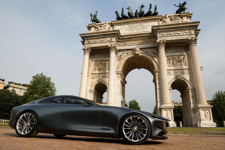 Mazda Vision Coupé a Milano, con il nuovo stile artistico della Casa giapponese [video]