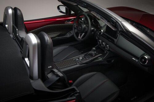 Mazda MX-5 Limited Edition Pollini Heritage (3)