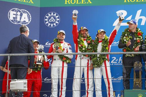 24 Ore di Le Mans, Doppietta Toyota: Alonso Nakajima e Buemi nella storia [video] (8)