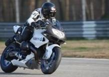 Alex Zanardi torna in pista con la moto