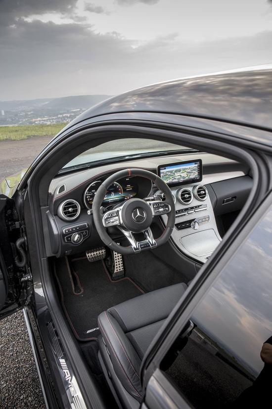 Cockpit digitalizzato per adeguardi alle altre della famiglia