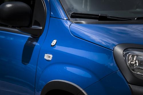 Fiat Panda, arriva la serie speciale Waze (2)