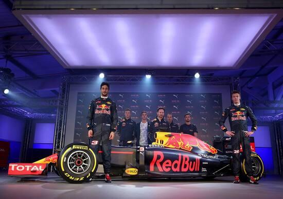 F1 2016, svelata la livrea della Red Bull