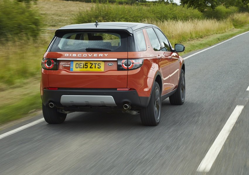 Land Rover Discovery Sport 2.0 Si4 HSE Luxury (2)