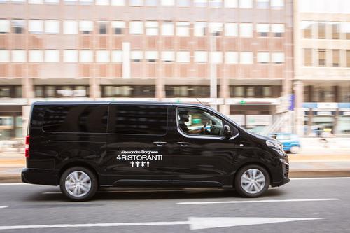 """Peugeot Traveller, vettura ufficiale della serie TV """"4 Ristoranti"""" (4)"""