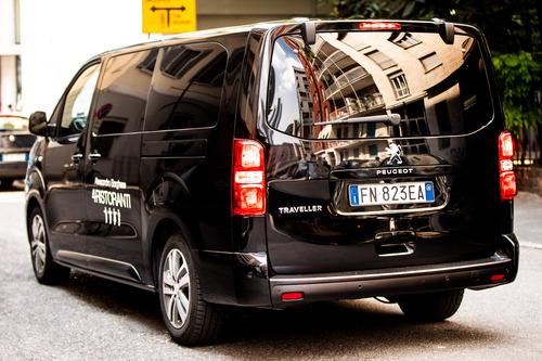 """Peugeot Traveller, vettura ufficiale della serie TV """"4 Ristoranti"""" (3)"""