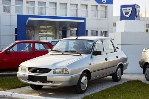 """Dacia e Renault, i primi 50 anni della """"liaison"""" franco-rumena (9)"""
