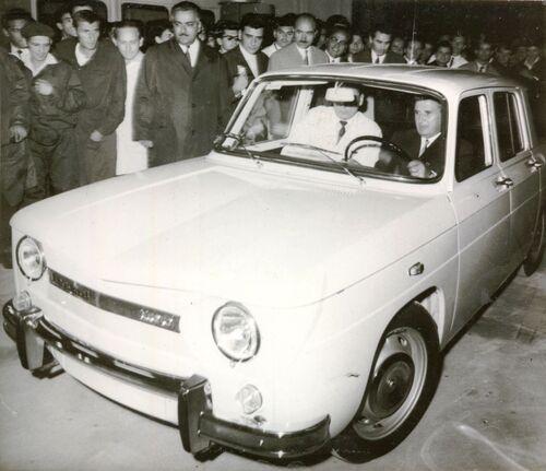 """Dacia e Renault, i primi 50 anni della """"liaison"""" franco-rumena"""
