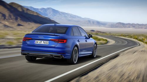 Audi A4, arrivano i model year 2019 (4)