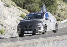 Renault Clio V, ecco le prime foto del muletto