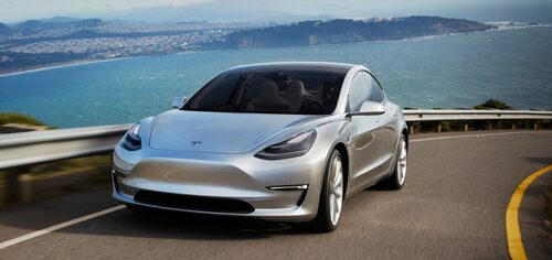 Tesla in target per la produzione di Model 3: applausi meritati?
