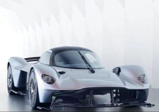 Aston Martin Valkyrie, sarà collaudata anche da Verstappen e Ricciardo