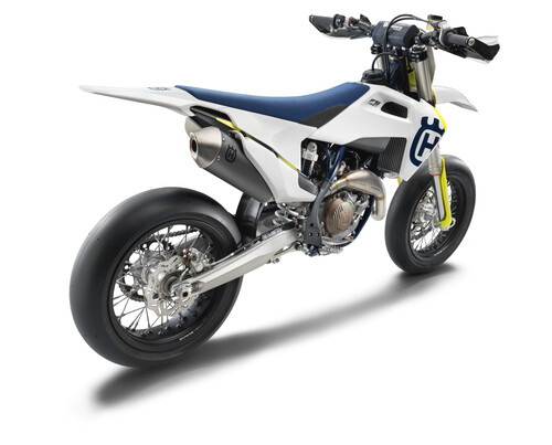 Husqvarna Motorcycles ha presentato la nuova FS 450 Supermoto MY 2019 (2)