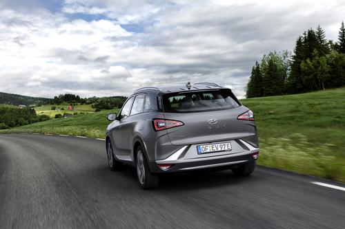 Hyundai Nexo: il futuro a idrogeno è già qui e funziona bene [video] (2)
