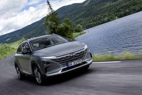 Hyundai Nexo: il futuro a idrogeno è già qui e funziona bene [video] (7)