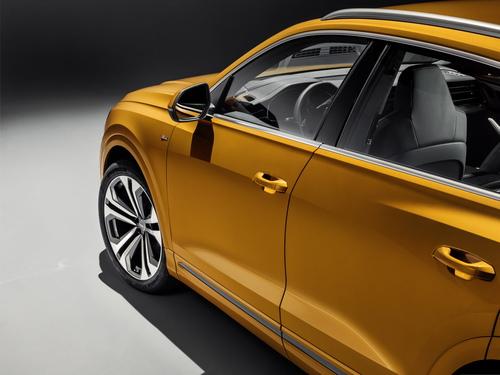 Audi Q8, i prezzi: si parte da 78.450 euro (9)