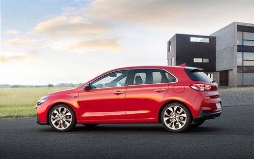 La Hyundai i30 N Line approda in Europa: 1.4 T-GDI o 1.6 CRDi (4)