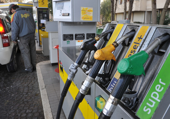 Carburanti: cresce la spesa nel primo semestre 2018