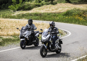 Sfida maxiscooter: Honda X-ADV vs Yamaha TMAX 2018