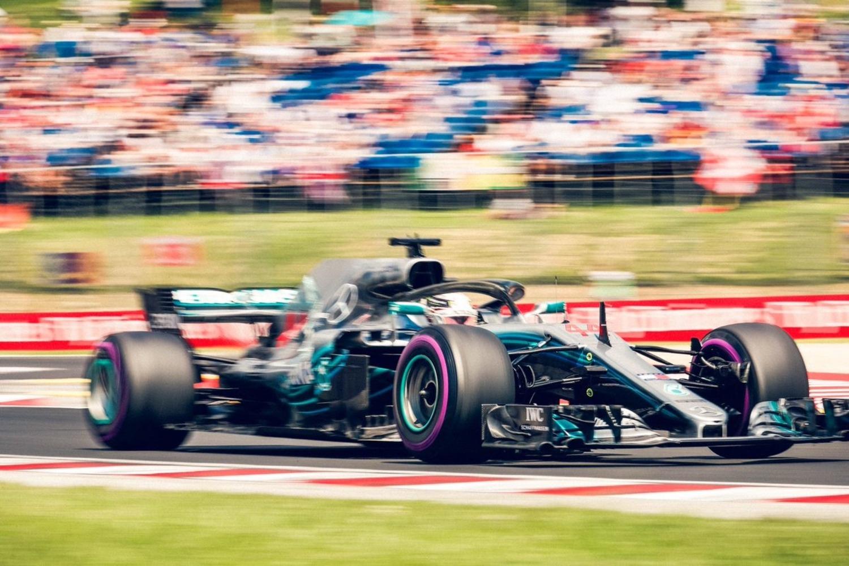 F1, GP Ungheria 2018, Gara: Hamilton beffa le Rosse