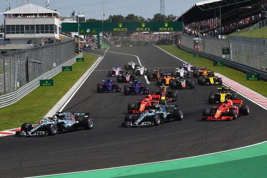 La prima curva del GP