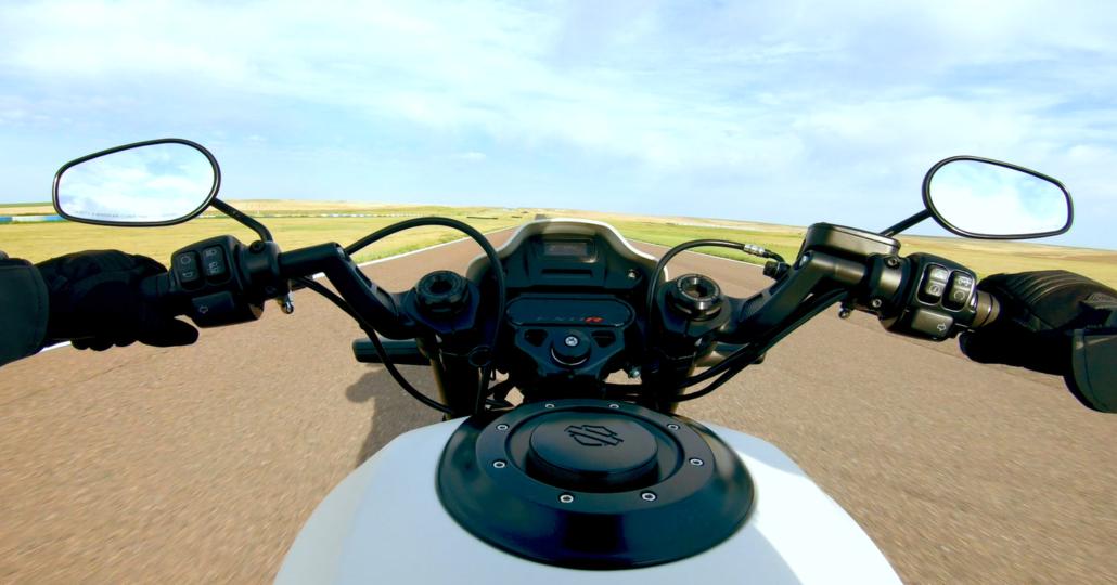 """Harley-Davidson, spunta la FXDR """"114"""" 2019"""