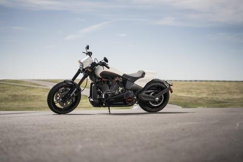 """Harley-Davidson FXDR 114"""" 2019. Foto e Video (8)"""