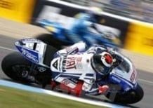 Lorenzo vince a Jerez, secondo Pedrosa. Anche Rossi sul podio
