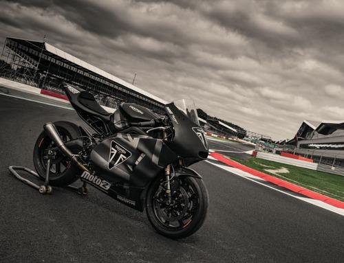 Triumph Moto2 a Silverstone con James Toseland