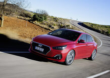 Hyundai i30 Fastback | Insolita e da provare [Video]
