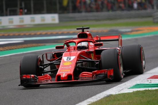 Seb, idolo dei fans Ferrari ma sotto pressione