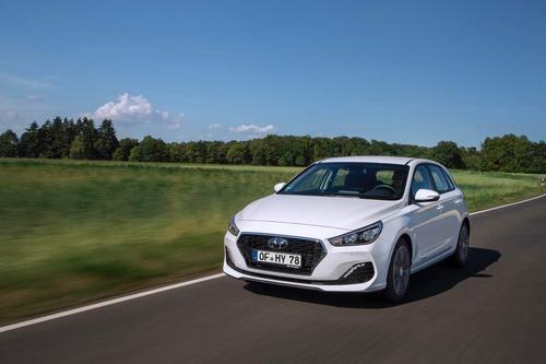 Hyundai i30, aggiornamenti estetici e nuovo motore diesel (2)