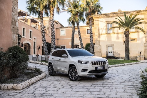Jeep Cherokee 2019, ecco come è cambiata [Video e foto] (8)