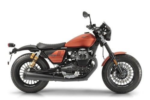 Moto Guzzi V9 Bobber Sport 2019 (4)