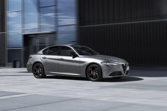 Alfa Romeo B Tech Nuovi Allestimenti Per Giulia Stelvio E