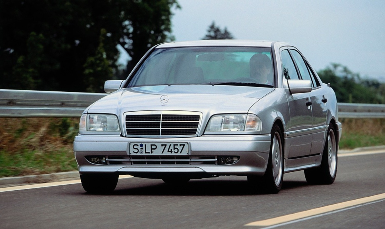 Mercedes C 36 AMG, 25 anni fa la prima Mercedes-AMG