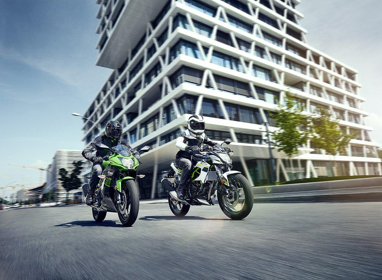 Kawasaki Ninja 125 e Z125: prime foto e dati