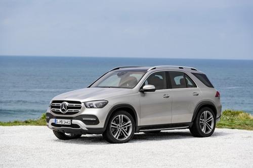 Nuovo Mercedes-Benz GLE 2019: eccolo pronto a scendere in strada, anche ibrido (2)