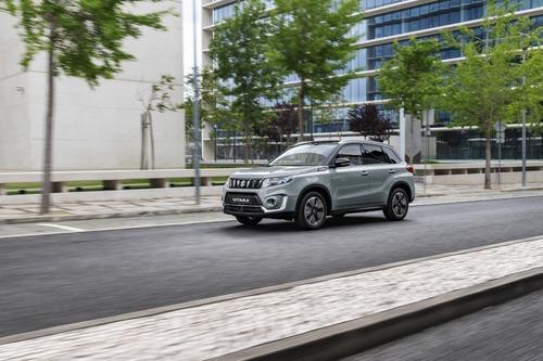Suzuki, ecco la nuova Vitara Boosterjet 2018  (5)
