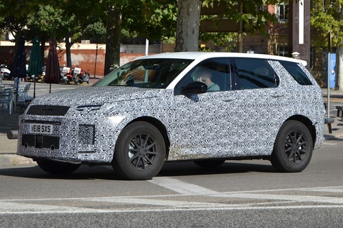 Land Rover Discovery Sport restyling, le foto spia (3)