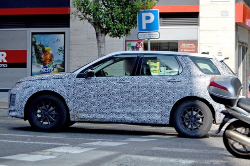 Land Rover Discovery Sport restyling, le foto spia (6)