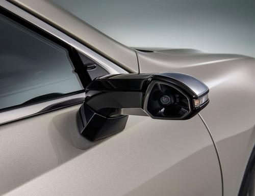 Lexus ES, addio specchietti. Arrivano i retrovisori digitali (2)