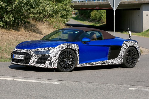 Audi R8 Spyder restyling, le foto spia (4)